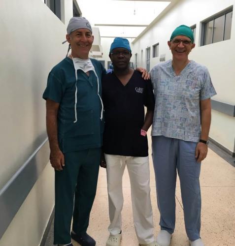 Dott. Conati, Dott. Loro (destra) e Dott. Francis Nijo (centro)